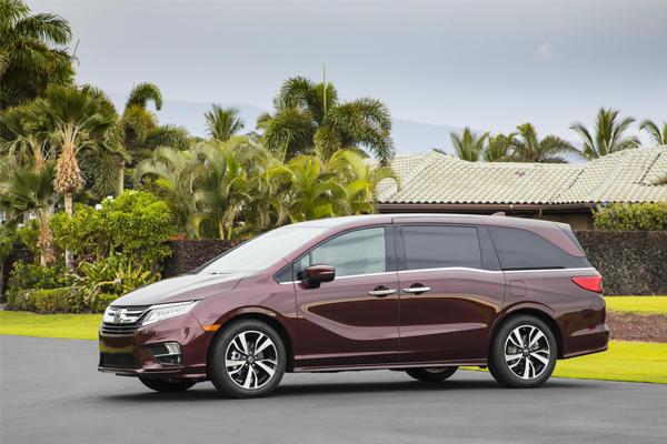 Honda Odyssey 2018 chính thức được bán ra tại thị trường Mỹ với giá chỉ từ 30.000 USD