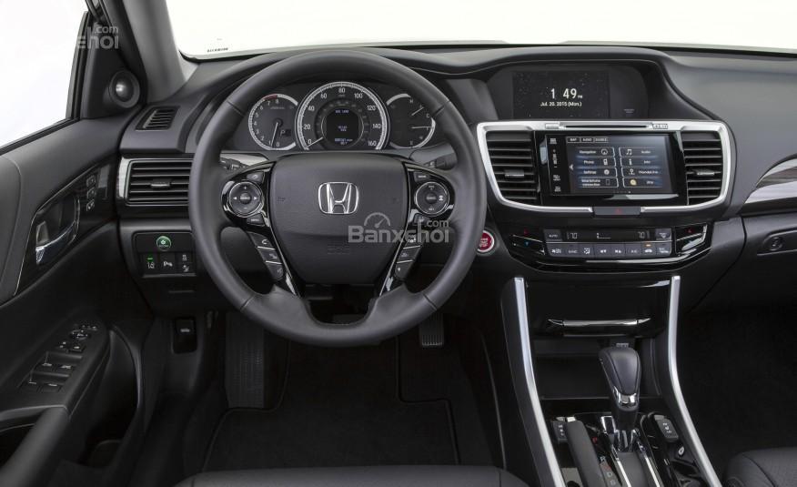 Khoang cabin của Honda Accord 2016.