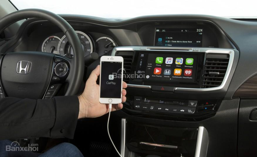 Honda Accord 2016 ứng dụng 2 hệ điều hành AppleCar Play và Androi Auto.