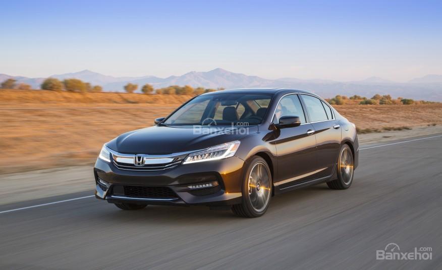 Honda Accord 2016 sở hữu sức mạnh vượt trội.