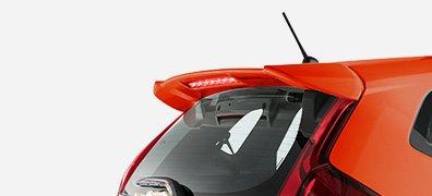 Cánh lướt gió sành điệu, thể thao, được tích hợp thêm đèn phanh thời trang (RS).